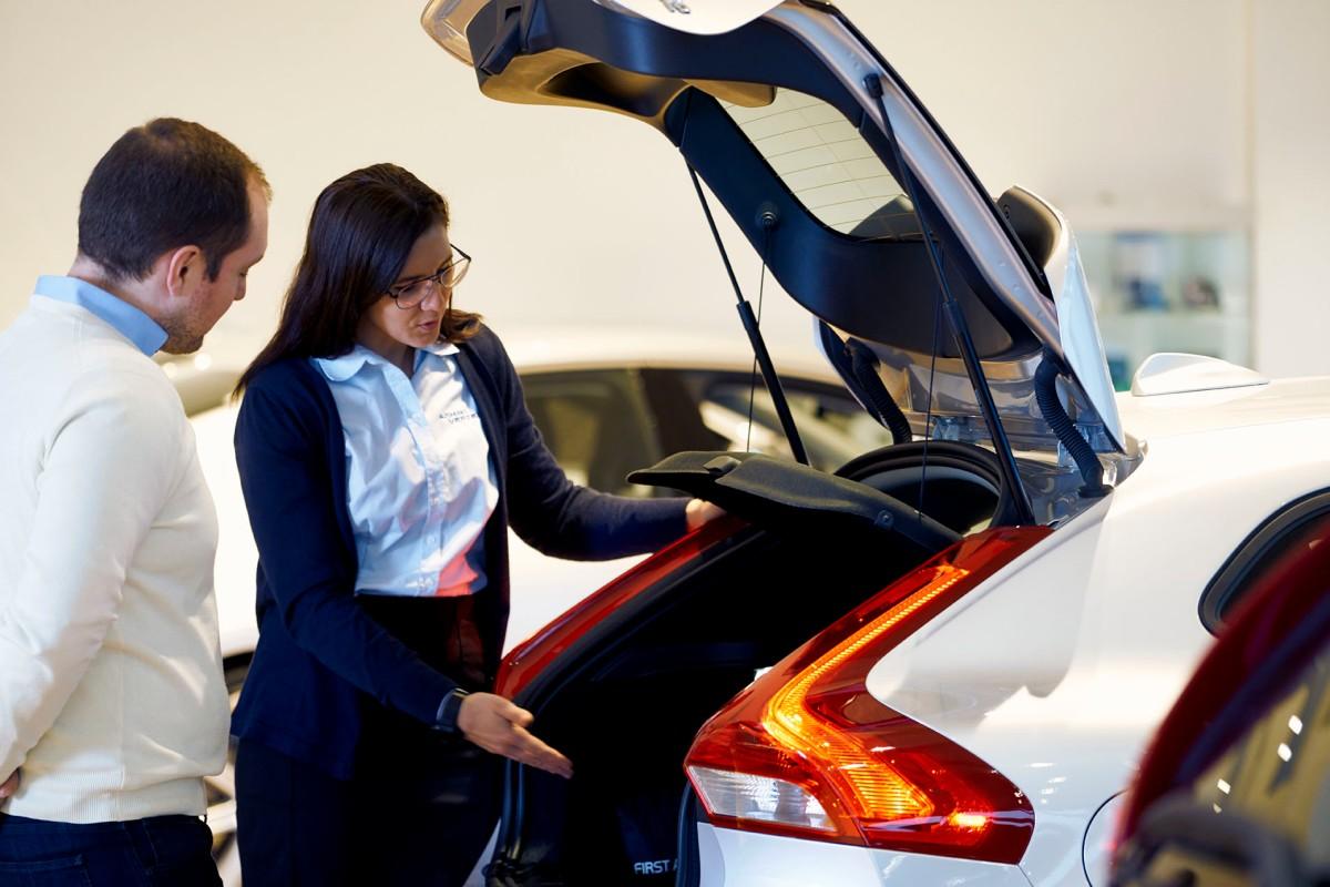 Autohuset Vestergaard søger biløkonomstuderende
